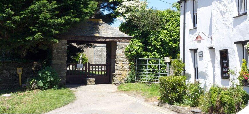 lychgate-cottage-gate