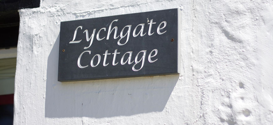 lychgate-cottage-sign